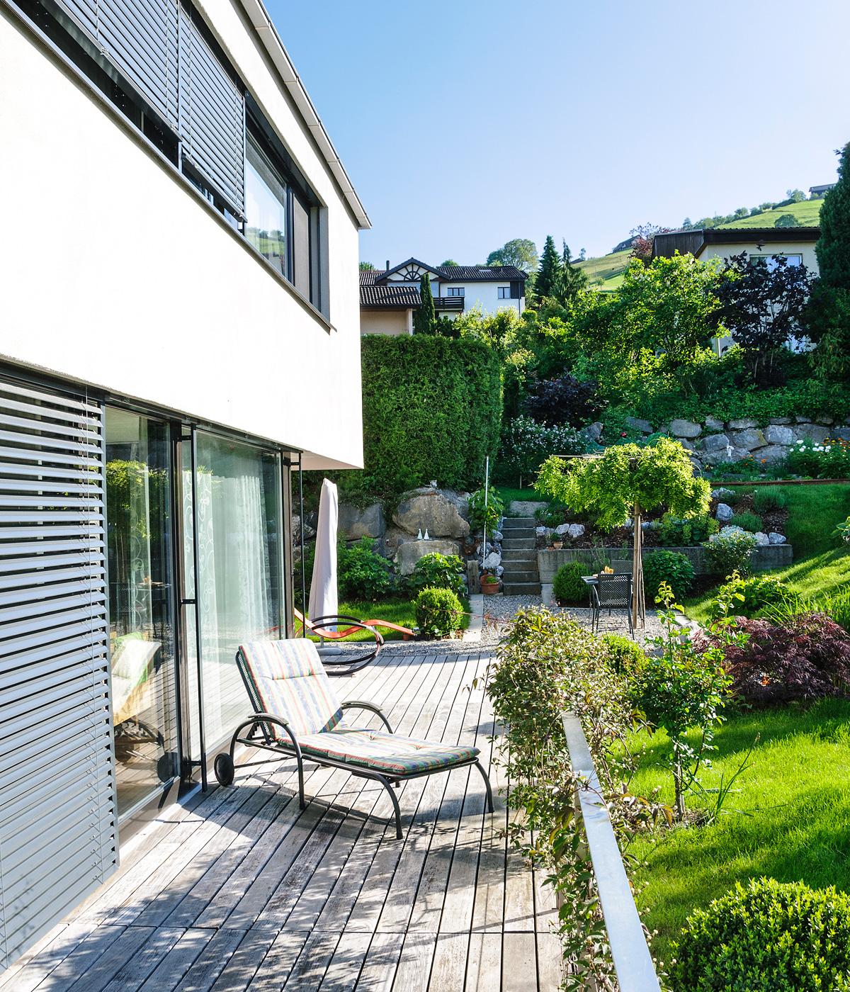 Bild V2 Haus mit Terrasse